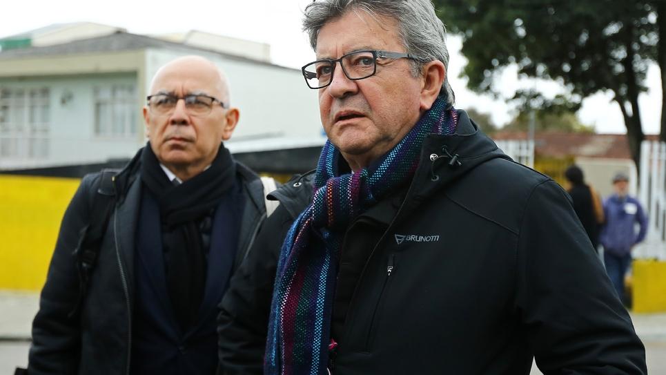 Le député français La France Insoumise Jean-Luc Mélenchon arrive dans les locaux de la police fédérale de Curitiba au Brésil afin de rendre visite à l'ancien président brésilien Lula, le 5 septembre 2019