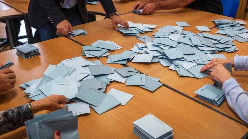 Dépouillement dans un bureau de vote à Gardouch, en Haute-Garonne, le 26 mai 2019