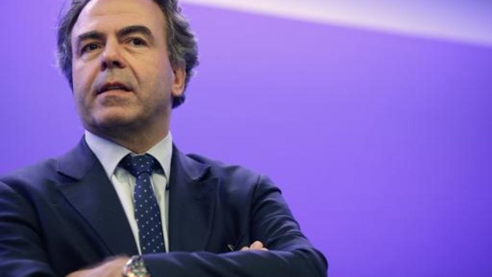 Le secrétaire général de l'UMP par intérim Luc Chatel lors d'une conférence de presse à Paris le 8 juillet 2014
