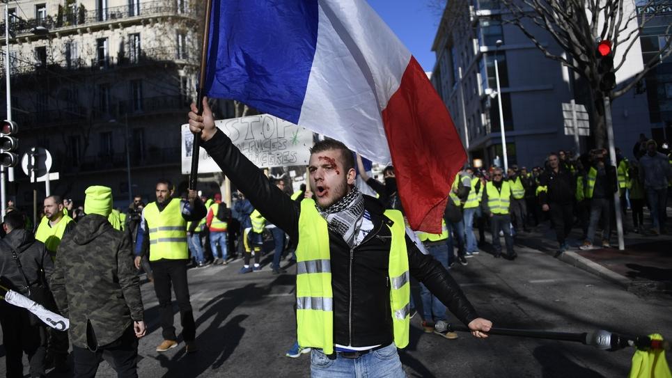 """Un """"gilet jaune"""" manifeste, le 12 janvier 2019 à Toulon"""