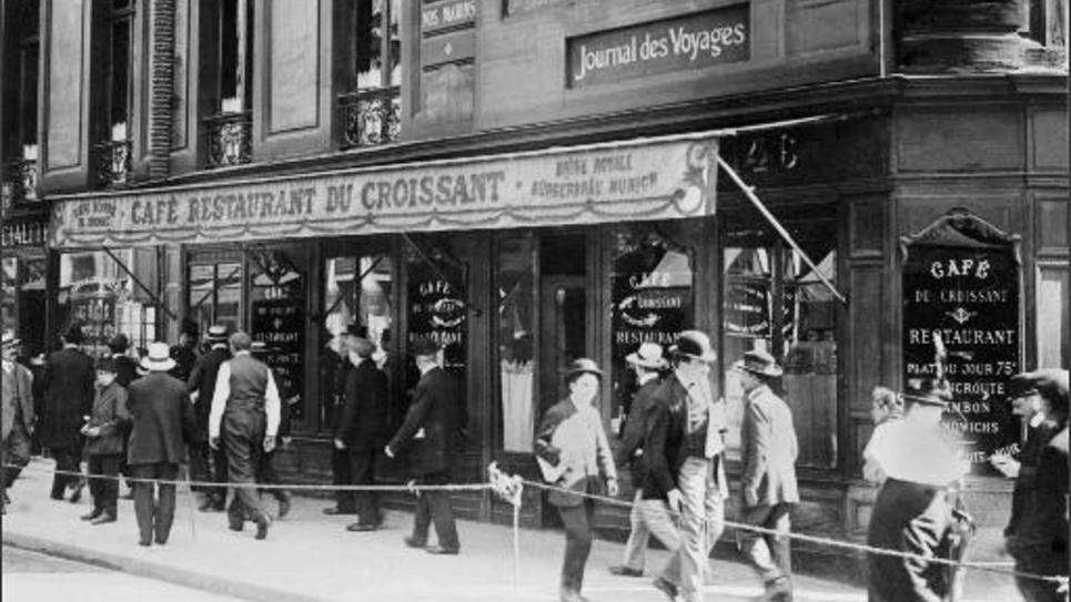 Photo d'archives datée de 1914 du Café restaurant du Croissant où Jaurès a été assassiné le 31 juillet 1914