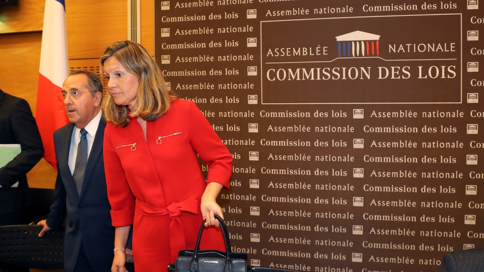 Yaël Braun-Pivet, corapporteure LREM de la commission d'enquête sur l'affaire Benalla à l'Assemblée et présidente de la commission des Lois, arrive à l'Assemblée le 23 juillet 2018