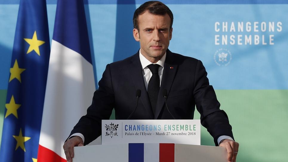 Le président Emmanuel Macron fait une déclaration après  la présentation des grandes orientations de la programmation pluriannuelle de l'énergie (PPE), le 27 novembre 2018 à l'Elysée, à Paris