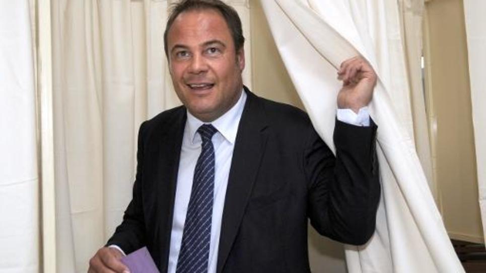 Laurent Degallaix vote le 22 juin 2014 pour l'élection législative partielle à Valenciennes, liée au retrait de Jean-Louis Borloo pour raisons de santé
