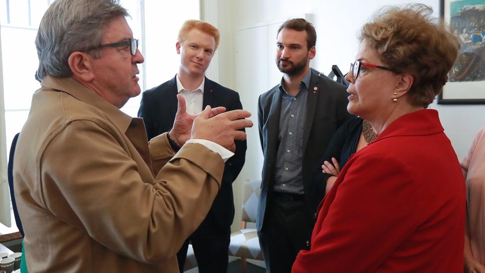 Dilma Rousseff, Jean-Luc Melenchon, Adrien Quatennens (2eG) et Ugo Bernalicis à l'Assemblée nationale le 17 septembre 2019