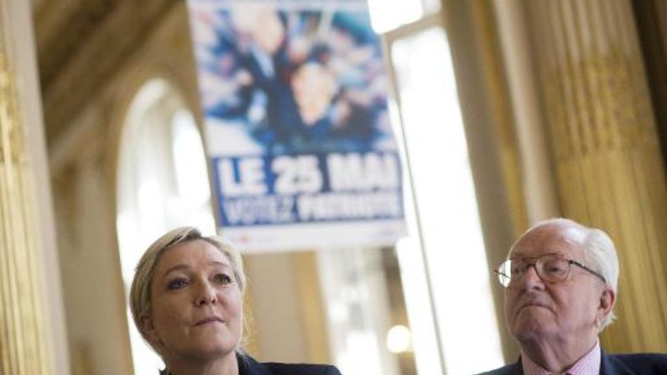 Marine Le Pen et son père Jean-Marie à Paris, le 22 avril 2014