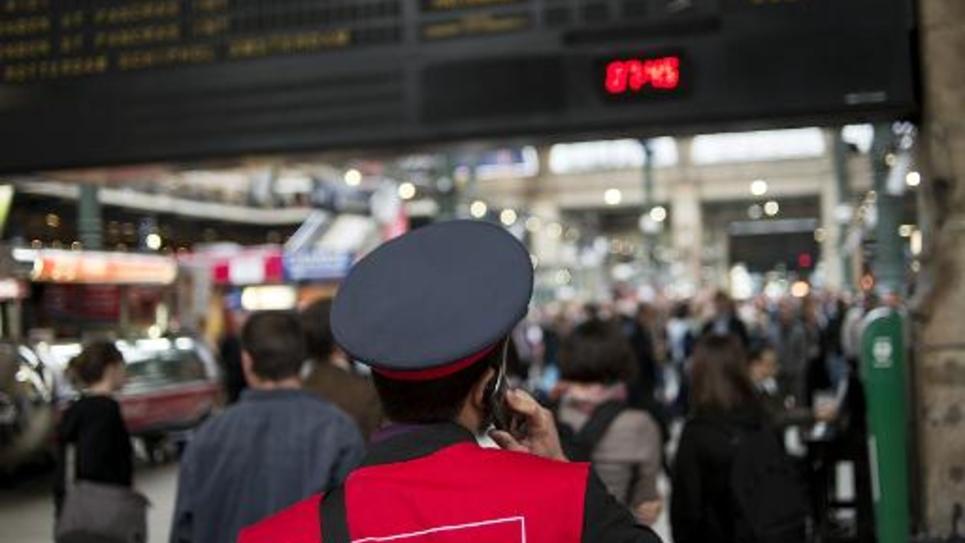Un employé de la SNCF à la Gare du Nord à Paris, le 18 juin 2014