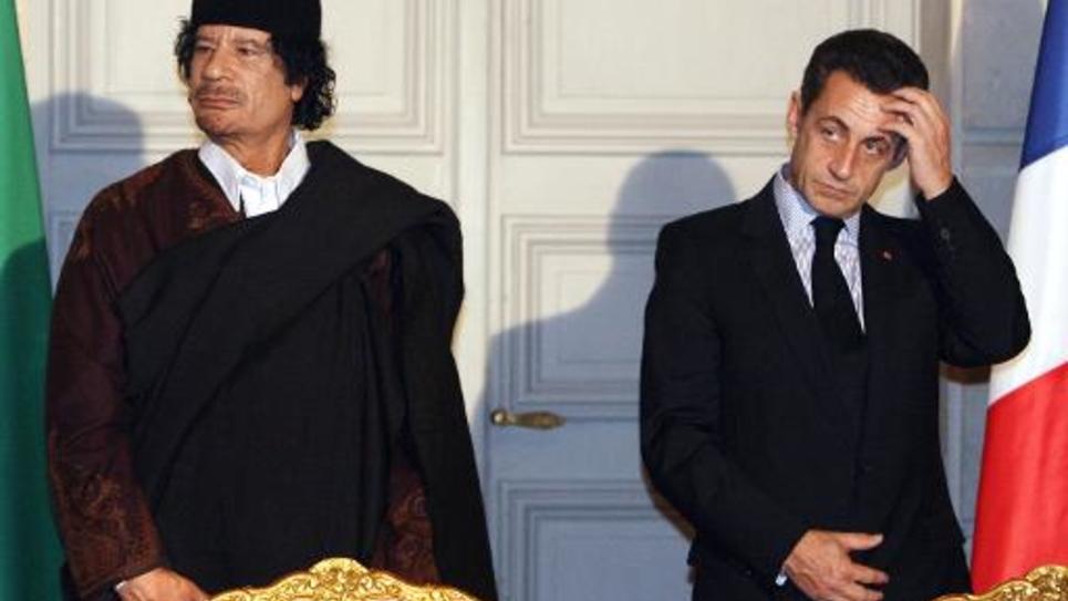 Mouammar Kadhafi et Nicolas Sarkozy le 10 décembre 2007 à l'Elysée à Paris