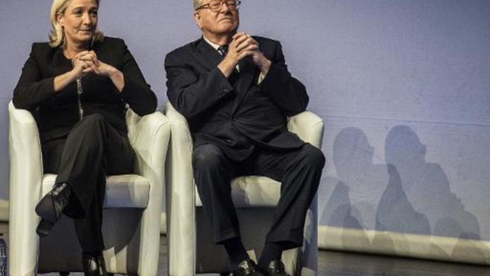 La présidente du Front national, Marine Le Pen et son père, Jean-Marie Le Pen, le 29 novembre 2014, à Lyon