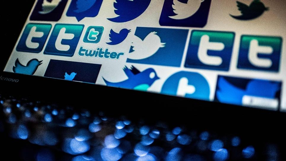 """Une campagne du ministère de l'Intérieur incitant à voter aux élections européennes a été refusée par Twitter, qui avance le risque d'enfreindre la nouvelle loi française contre les fausses nouvelles (""""fake news"""")"""