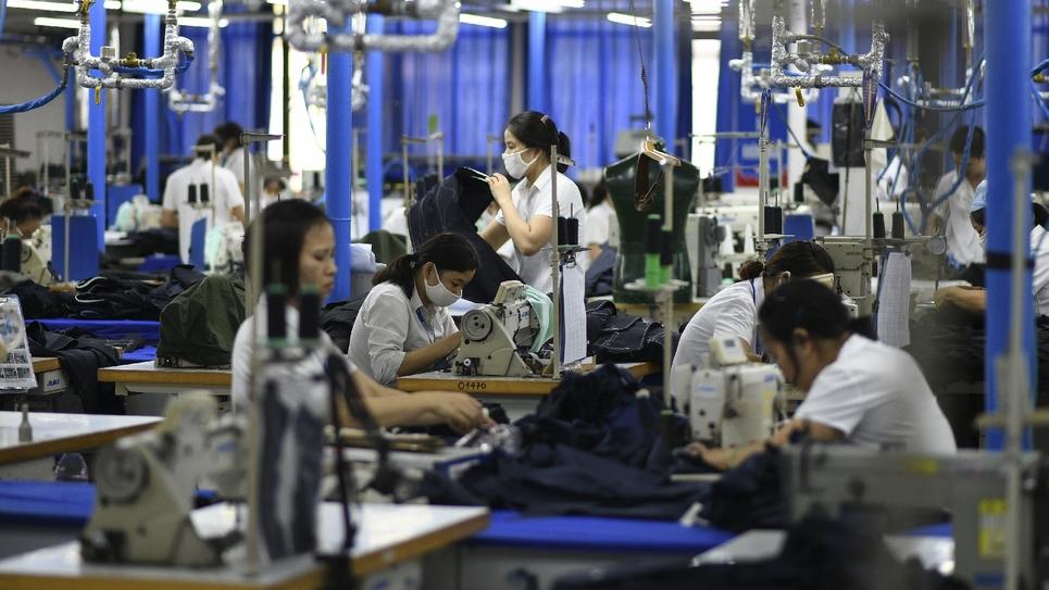 Des ouvrières du textile à Hanoi le 24 mai 2019