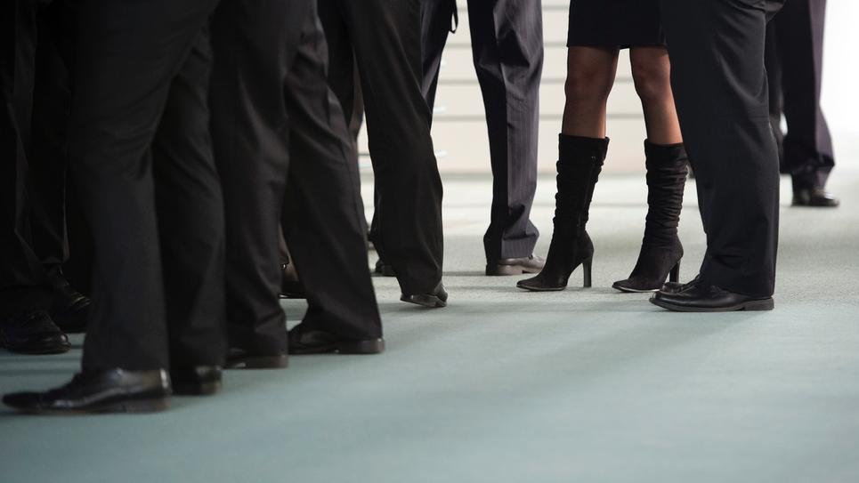 """Marlène Schiappa veut """"privilégier le dialogue"""" pour renforcer l'égalité femmes-hommes dans les entreprises"""