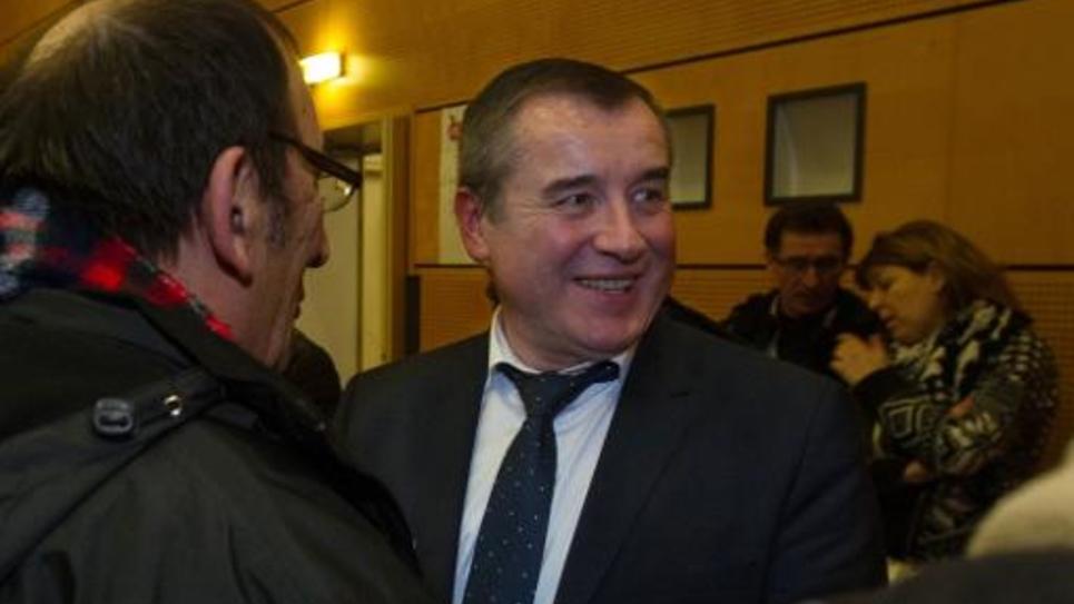 Le candidat PS Frederic Barbier à l'annonce de résultats de la législative partielle le 1er février 2015 à Audincourt