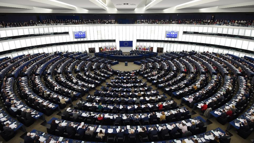 """La République en marche a pris ses distances avec le parti centriste européen ALDE, dont le financement par des grands groupes a été exposé dans la presse, en dénonçant mardi une """"pratique incompatible avec une vie démocratique irréprochable""""."""