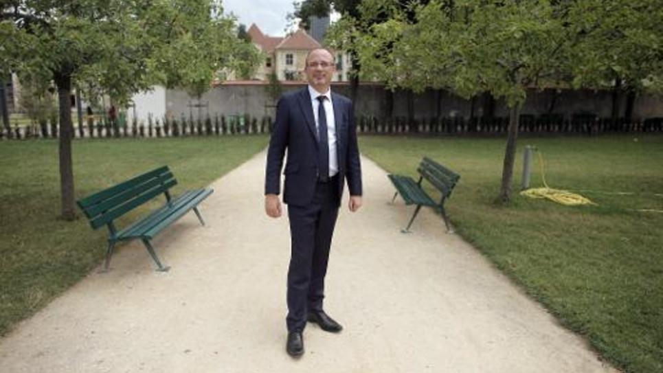 """Le rapporteur PS de la commission d'enquête parlementaire sur """"l'exil des forces vives de France"""", Yann Galut, le 7 juillet 2014 à Paris"""