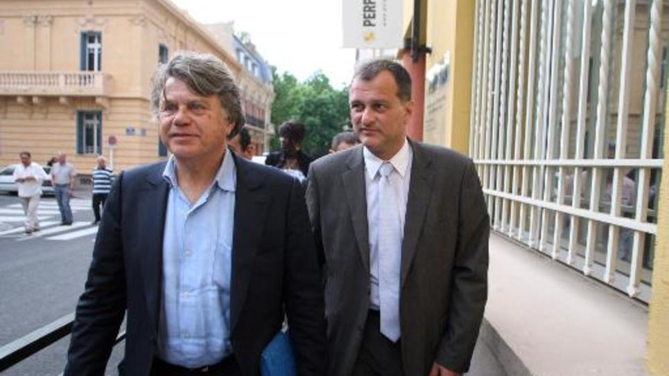 Le député FN Gilbert Collard et le vice-président du parti, Louis Aliot, le 29 mai 2012 à Perpignan