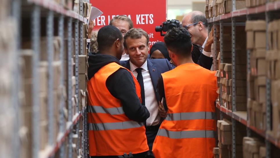 Le président français Emmanuel Macron visite un chantier d'insertion à Bonneuil-sur-Marne le 10 septembre 2019