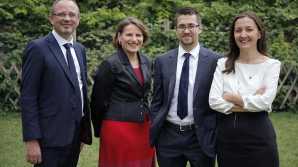 Quatre des députés PS membres du collectif Cohérence Socialiste, dont la rapporteure générale du Budget Valérie Rabault(2e gauche), et de gauche à droite Yann Galut, Alexis Bachelay and Karine Berger le 7 juillet à Paris