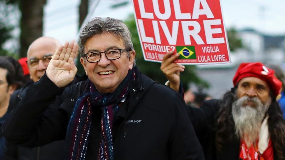 Le leader de La France Insoumise Jean-Luc Mélenchon après avoir rendu visite en prison à l'ex-président brésilien Lula, le 5 septembre 2019 à Curitiba, au Brésil