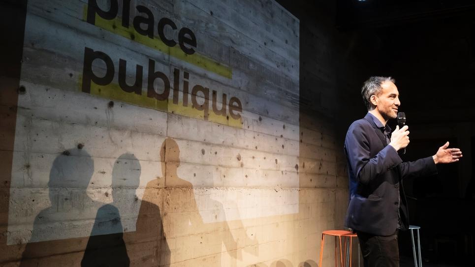 Raphaël Glucksmann au premier meeting de son mouvement Place publique à Montreuil, en Seine-Saint-Denis, le 15 novembre 2018