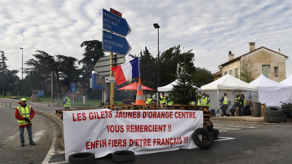 """Les """"Gilets jaunes"""" manifestent à Orange sur l'A7 le 26 novembre 2018"""