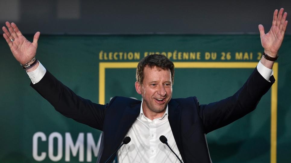 Yannick Jadot, tête de liste EELV aux européennes, se félicite des résultats de sa formation le 26 mai 2019 à Paris