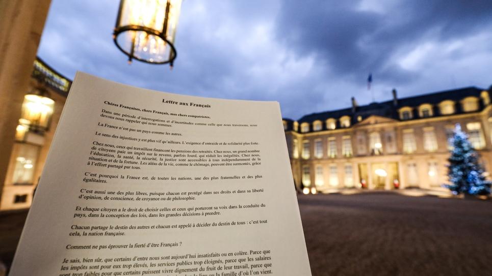 """la """"Lettre aux Français"""" écrite par le président Emmanuel Macron, le 14 janvier 2019 à l'Elysée, à Paris"""
