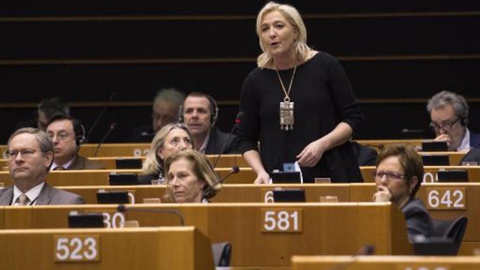 La présidente du Front national prend la parole lors d'une session au Parlement européen le 25 févier 2015 à Bruxelles