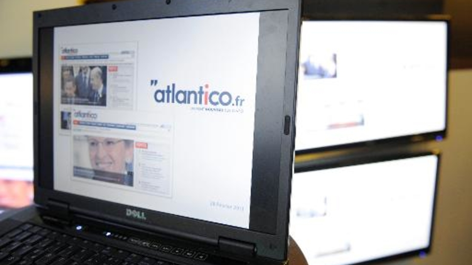 """Photo prise le 28 février 2011 à Paris d'écrans présentant le portail d'information """"Atlantico"""", lors de son lancement officiel"""