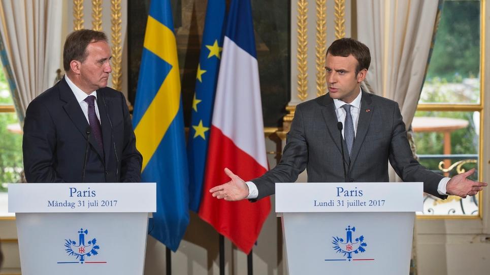 Le président Emmanuel Macron et le Premier ministre suédois social-démocrate Stefan Löfven à l'Elysée le 31 juillet 2017
