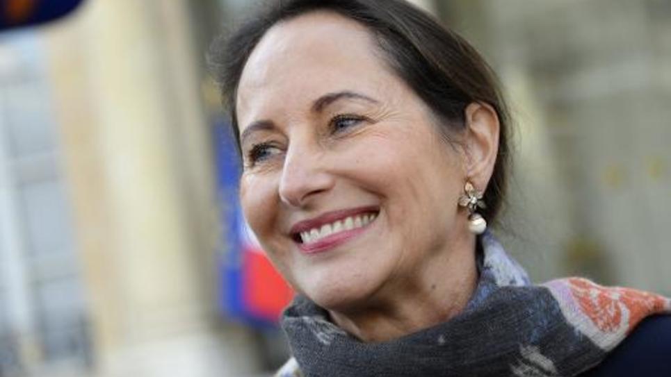 La ministre française de l'Ecologie Ségolène Royal devant le palais de l'Elysée à Paris le 29 octobre 2014
