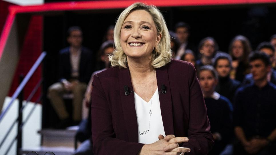 """Marine Le Pen sur le plateau de """"L'Emission politique"""" sur France 2, à Saint-Cloud (Hauts-de-Seine), le 14 mars 2019"""