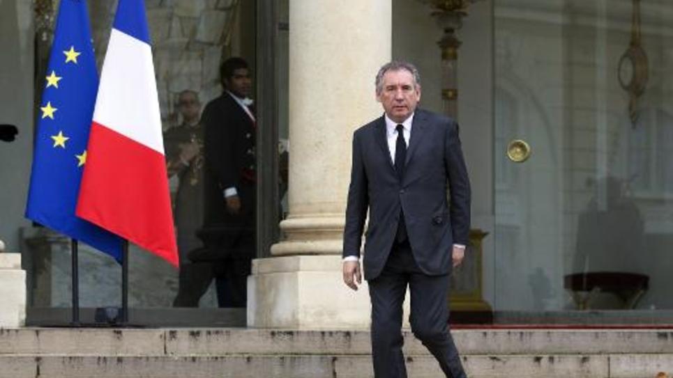 Le président du MoDem, Francois Bayrou, quitte l'Elysée après son entrevue avec le président François Hollande le 9 janvier 2015