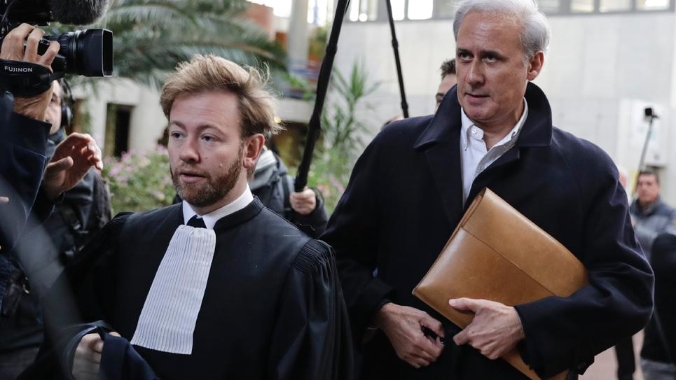L'ancien secrétaire d'Etat à la fonction publique Georges Tron (D) à l'ouverture de son procès à Bobigny le 23 octobre 2018