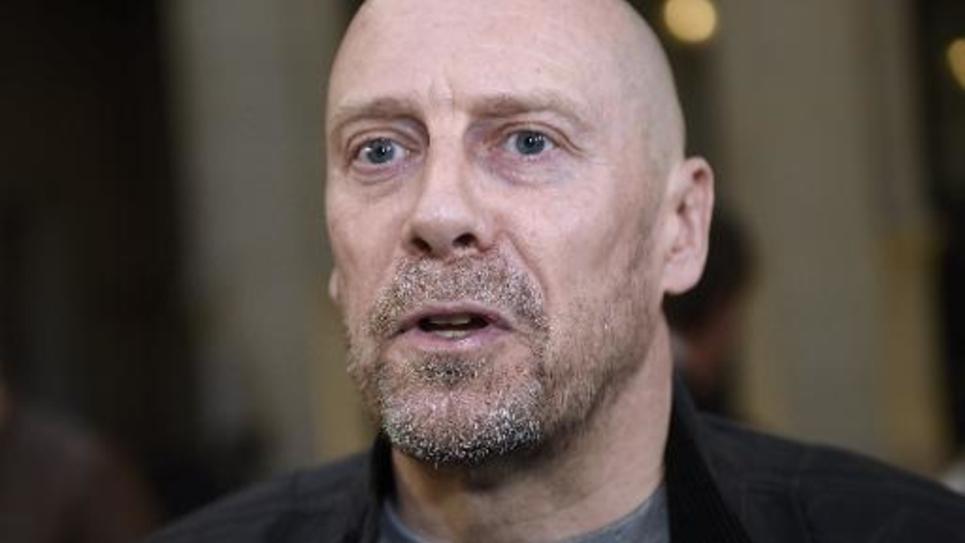 L'essayiste d'extrême droite, Alain Soral, le 12 mars 2015 à son arrivée au tribunal à Paris