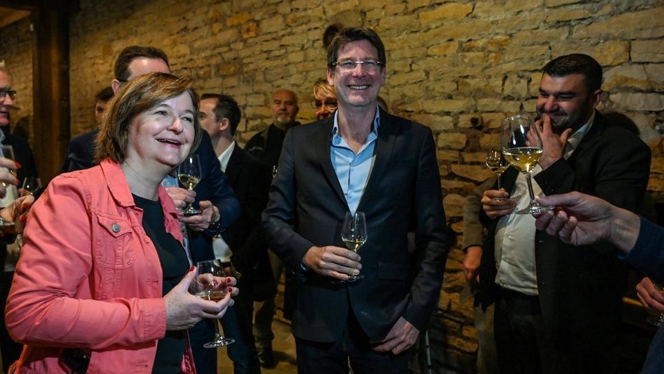 La candidate de LREM aux Européenne Nathalie Loiseau avec (de g à d) Pascal Canfin et Jeremy Decerle, à Rully en Saône-et-Loire le 19 avril 2019