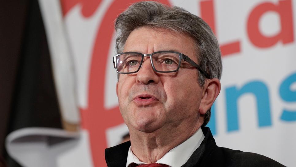 Le patron de la France insoumise Jean-Luc Mélenchon s'exprime après l'annonce des premiers résultats aux élections européennes, le 26 mai 2019 à Paris