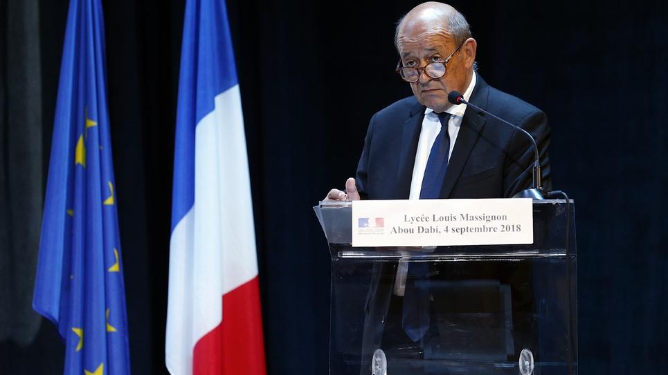 Le chef de la diplomatie française Jean-Yves Le Drian à Abou Dhabi le 4 septembre 2018