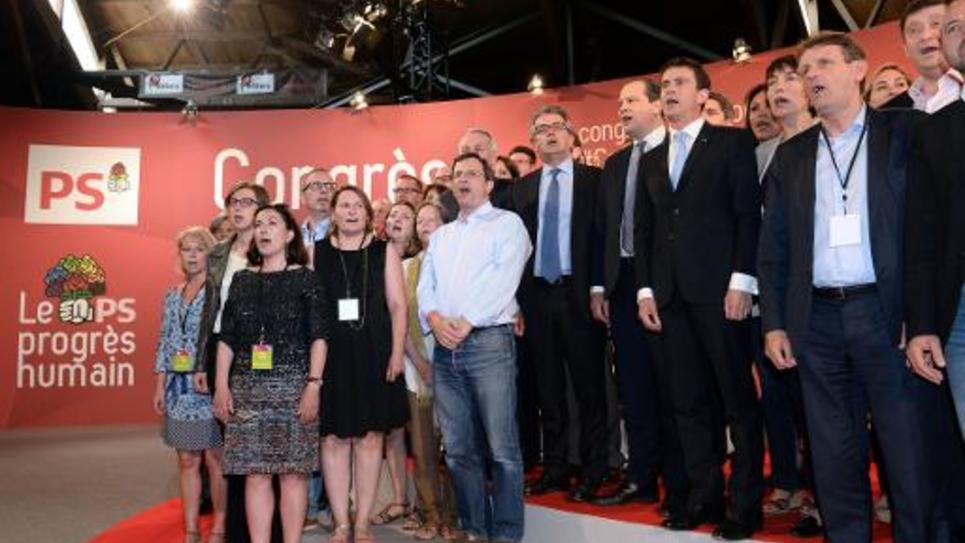 Jean-Christophe Cambadelis et Manuel Valls le 7 juin 2015 à la fin du congrès du PS à Poitiers