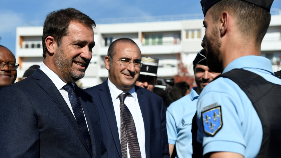Christophe Castaner et  Laurent Nunez à la rencontre des gendarmes de Fosses (Val d'Oise), le 16 octobre 2018