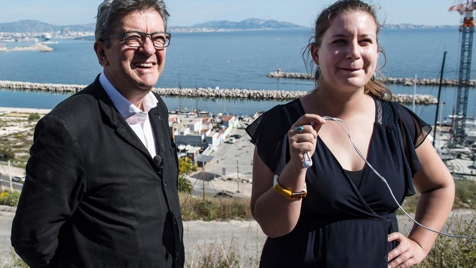 La députée du Val-de-Marne Mathilde Panot élue vice-présidente des députés LFI, aux côtés de leur patron Jean-Luc Mélenchon. Photo prise à L'Estaque, près de Marseille, le 22 mai 2019.