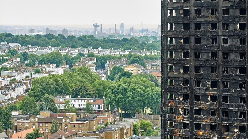 La tour Grenfell totalement détruite par un incendie, le 22 juin 2017 à Londres