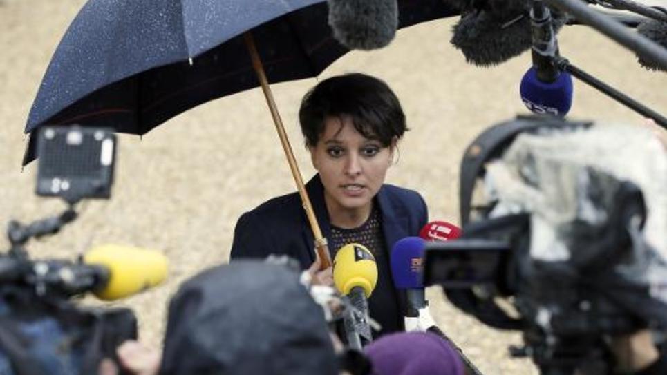 La ministre de l'Education Najat Vallaud-Belkacem à la sortie du Conseil des ministres à l'Elysée le 20 mai 2015 à Paris