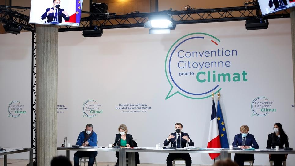 Le président Macron lors de son intervention devant des membres de la Convention pour le climat, le 14 décembre à Paris