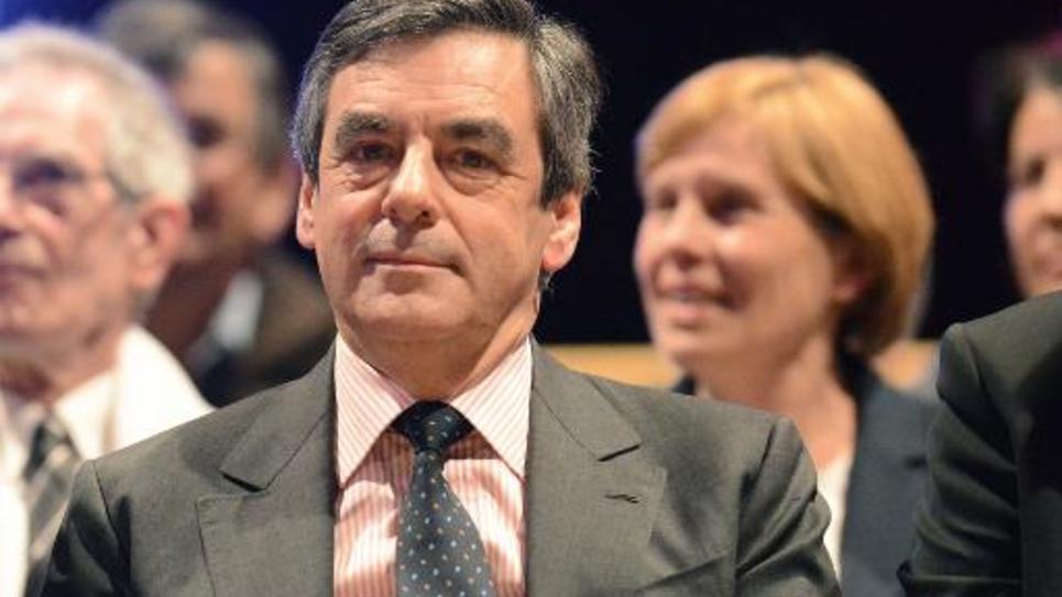 François Fillon lors d'un meeting électoral le 19 mars 2015 à Yvre-l'Eveque