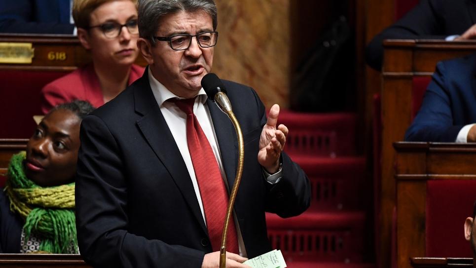 Jean-Luc Mélenchon lors des questions au gouvernement à l'Assemblée nationale à Paris le 12 décembre 2018