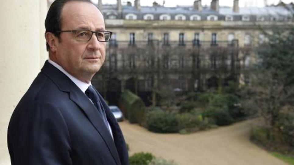 François Hollande au balcon de l'Elysée le 24 février 2015