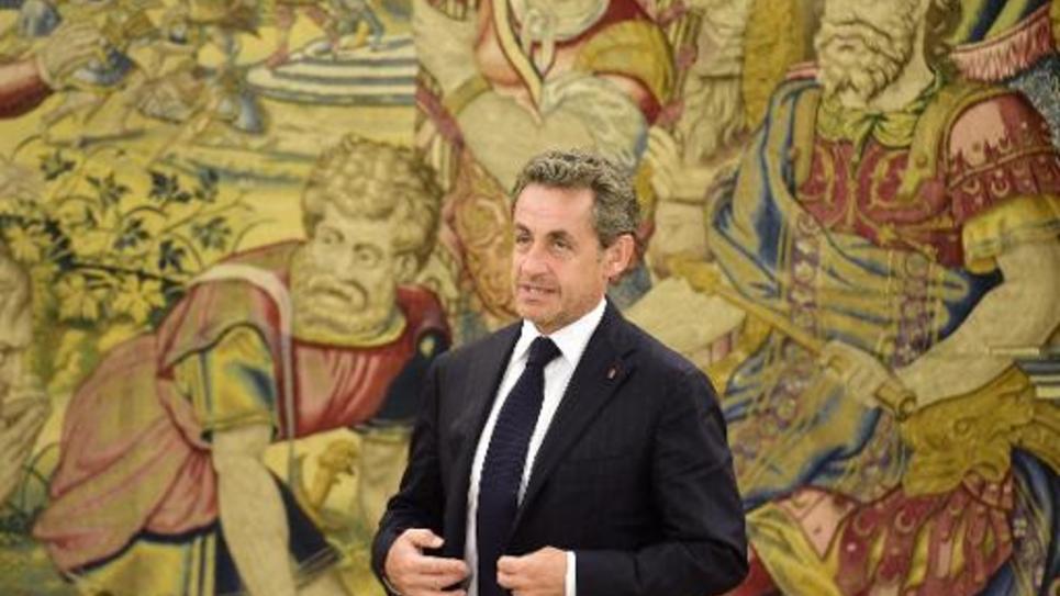 Nicolas Sarkozy pose pour les photographes au palais royal Zarzuela à Madrid, le 27 mai 2014