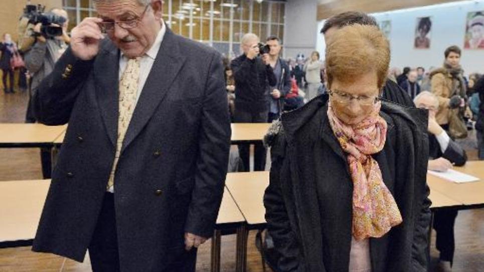 L'ancien maire de La Faute-sur-Mer René Marratier et son ancienne adjointe à l'urbanisme Françoise Babin à l'annonce du verdict de leur procès, le 12 décembre 2014 aux Sables-d'Olonne
