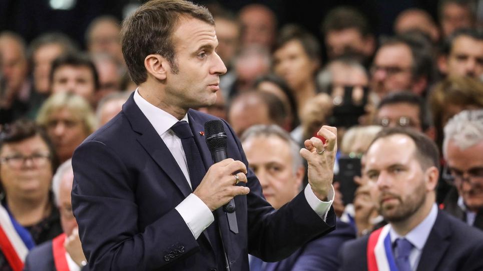 Emmanuel Macron lance le grand débat devant les maires normands réunis à Grand Bourgtheroulde, le 15 janvier 2018